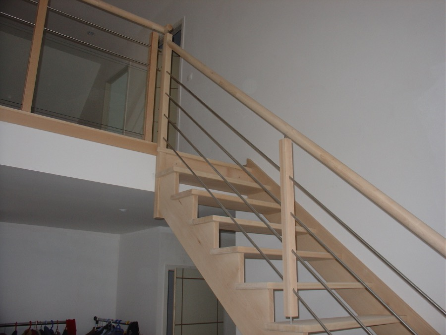 am nagement de combles escaliers ribeiro. Black Bedroom Furniture Sets. Home Design Ideas